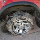 проколотое колесо или как заменить колесо в дороге